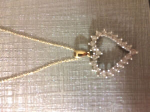 Price drop. Beautiful diamond heart necklace! Never worn!