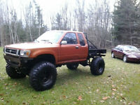 1992 Toyota --COME MAY ME AN OFFER IN PERSON !!!!!!!!!!