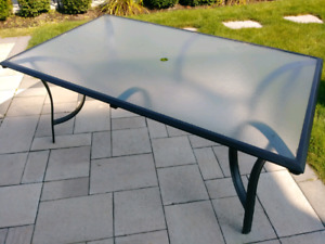 Table patio