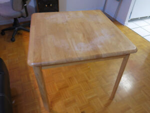 Great square table for sale 30''x30''x26''