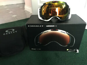 Oakley ski/snow goggles with Bluetooth/wifi and gps X2