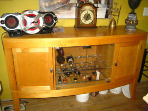 Solid wood wine cabinet