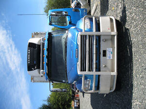 M2-106 Freightliner with Legal Sleeper and C-7 Cat Engine Comox / Courtenay / Cumberland Comox Valley Area image 10