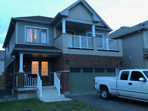 4 Bed Room house in Niagara Falls  3-8 pm July 21 OPEN HOUSE