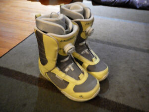 K2 Haven women's snowboard boots size 9
