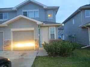 3 bedroom town house is available immideatelly in south west Edmonton Edmonton Area image 1