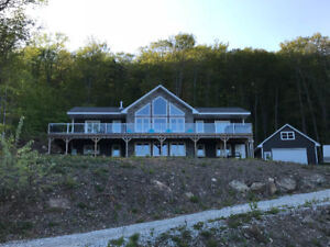 Beautiful Waterfront home on the Kennebecasis River