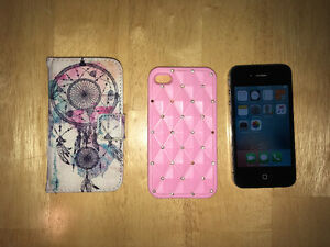 iPhone 4S and 2 Cases