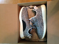 Selling Adidas Yeezy 350 Boost Size 9