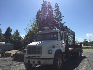 FREIGHTLINER BOOM TRUCK 2004 CERTIFIED AND E TESTED
