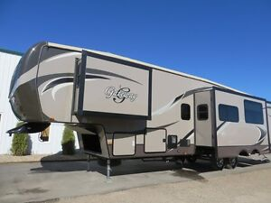 2015 GATEWAY 3650BH - Fifth Wheel - Full Bunk House