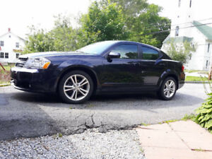 2011 Dodge Avenger Like New with unbelievable low mileage