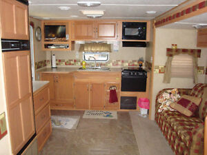 FOR SALE 2008 26FT. SUNSET TRAIL BY CROSSROADS London Ontario image 3