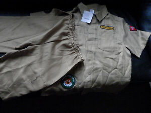 Brand New 2-pieces Zoo Keeper size L(10/12) from Gymboree