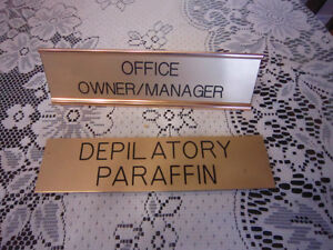 Owner/deplilatory/stand signs-STRATHROY London Ontario image 2