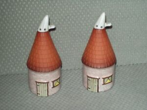 Round house salt and pepper shakers