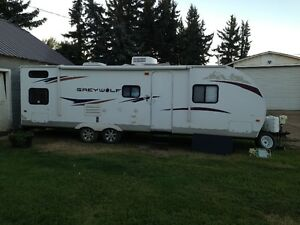 28ft Forest River, Grey Wolf Travel Trailer