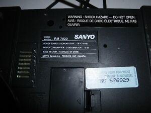 Vintage radio-réveil Sanyo Saint-Hyacinthe Québec image 3