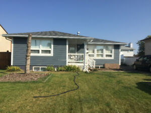 House for rent in leduc 2300
