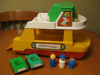 FISHER PRICE LITTLE PEOPLE VINTAGE FERRY BOAT 1978