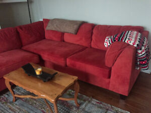 Beautiful Red Sectional (perfect condition)