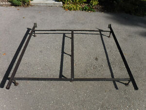 king to queen adjustable bed frame, has center support