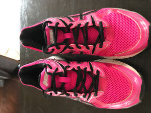 Women's 7.5 Asics GT1000 Pink Ribbon edition SOLD PPU