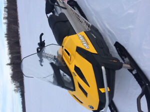 Selling my skidoo in excellent condition