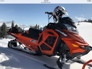 2015 Ski Doo Summit X 154