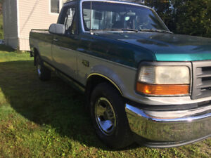 Très  Beau Pick up Ford f 150 XL 1996