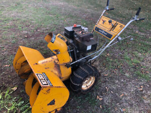 "Master craft  10hp 33"""" Snow Blower"