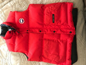 Red Canada Goose vest, men's medium