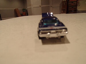LOOSE 2005 Muscle Mania Hot Wheels #104 Purple 69 Dodge Charger Sarnia Sarnia Area image 5