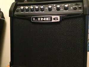 Line 6 Spider IV 15 15W 1x8 Guitar Combo Amp