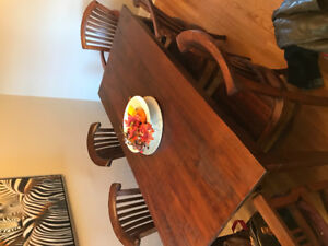 Dining table w/6 chairs