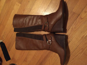 Like new! Spring wedge boots size 7.5