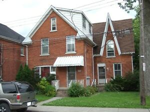 Clean and Quiet Southside Queen's District available