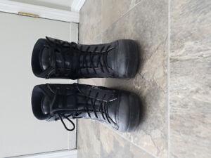 Men's Size 9 Snowboard Boots