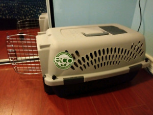 Small Dog Carrier/Crate