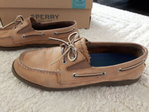 Size 7 youth Boys Sperry Shoes