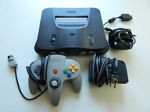Working nintendo n64 with games goldeneye