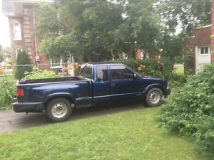 1999 Chevrolet S-10 Pickup Truck Peterborough Peterborough Area image 1