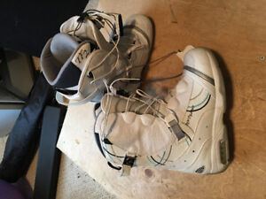 Ladies snowboard boots - size 8
