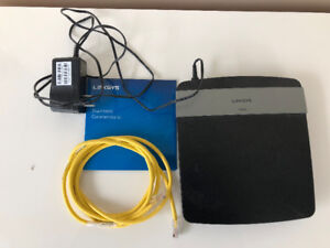 Linksys E2500 Router - New, includes disc and power cord