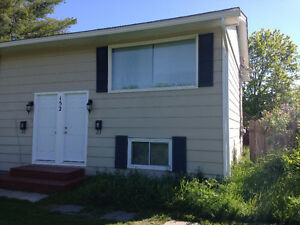 2 Bedroom Duplex Apartment - Northside, Aug.1st/Sept.1st