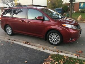 2014 Toyota Sienna Sport XLE Leather Sunroof GPS Camera WoodTrim