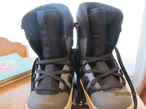Snowboard Boots - Child's Size 3 US   Immaculate Shape Moose Jaw Regina Area image 4