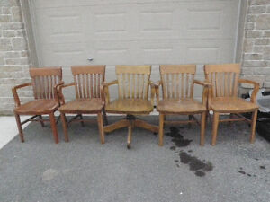 6 SOLID ANTIQUE WOODEN CHAIRS $ 85