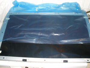 32 INCH SONY LCD SCREEN  ( BRAND NEW IN THE BOX )