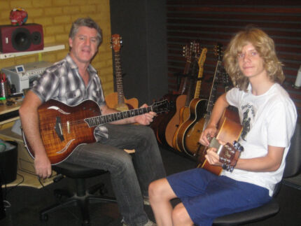 CREATIVE GUITAR TUITION/ GUITAR LESSONS INNER WEST, SYDNEY